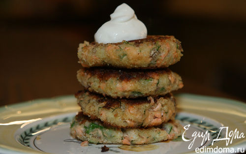 Рецепт Биточки из семги и молодой картошки с луком и укропом