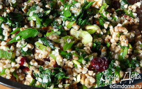 Рецепт Пикантный салат с гречкой и клюквой