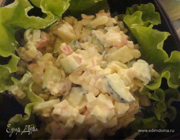 Салат с шампиньонов и кукурузы и крабовых палочек