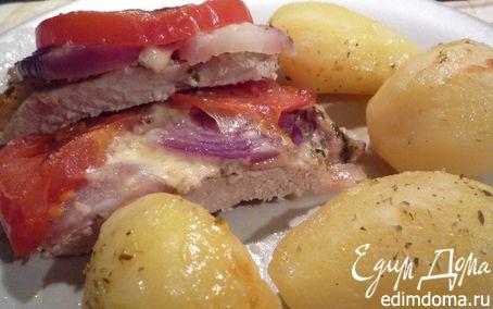 Рецепт Свинина, запеченая с помидорами и моцареллой
