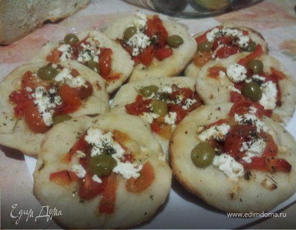 Пиццеты с сыром и помидорами
