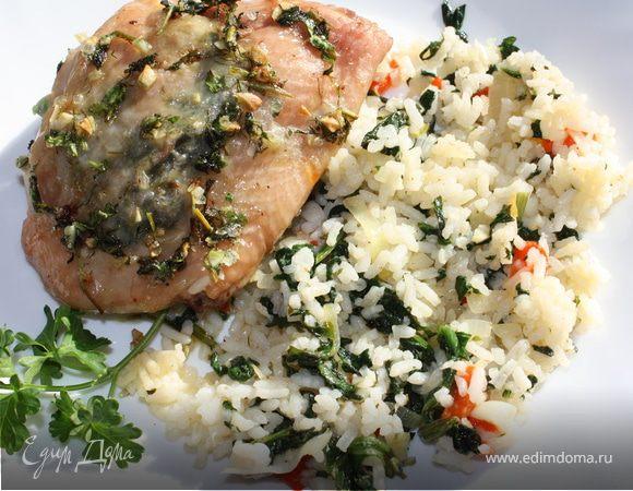 Куриные бедрышки с пряными травами и рис со шпинатом и болгарским перцем