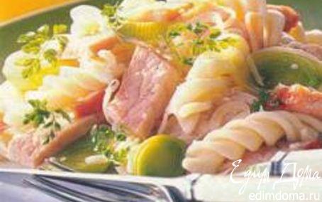 Рецепт Макароны с сыром, луком-пореем и свиной грудинкой