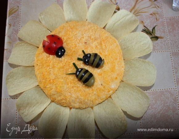 """Салат """"Ромашка"""" с божьей коровкой и пчелками"""