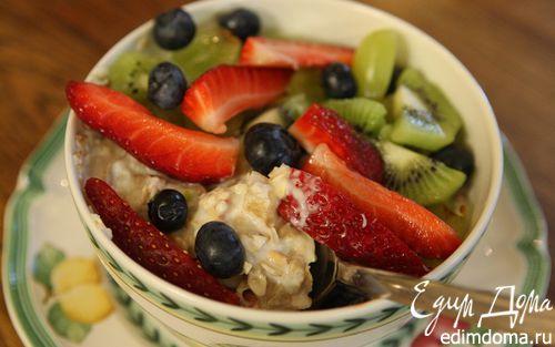 Рецепт Злаковые хлопья с фруктами, ягодами и орехами