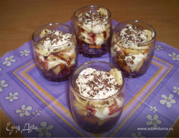 Вишнево-банановый творожный десерт