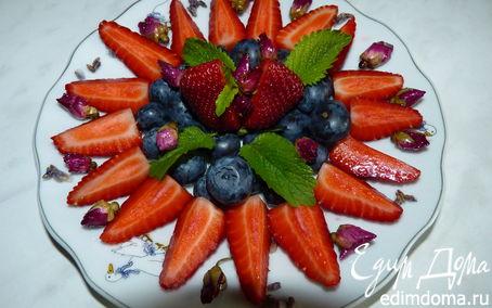 Рецепт Чай и фруктовый салат с засахаренными цветами