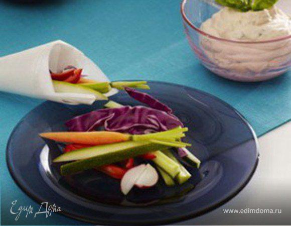 Свежие овощи в бумажных конусах SAGA