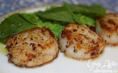 Рецепт Морские гребешки с пюре из зеленого горошка