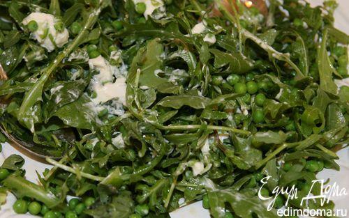 Рецепт Салат из зеленого горошка с козьим сыром и мятой