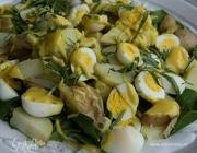 Салат из молодого картофеля с перепелиными яйцами