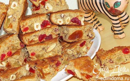 Рецепт Бисквит из цельнозерновой муки с абрикосовым вареньем и орехами.