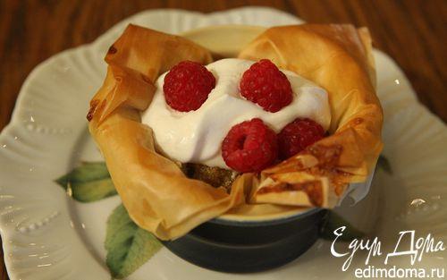Рецепт Пирожные из теста фило с ванильным кремом и малиной