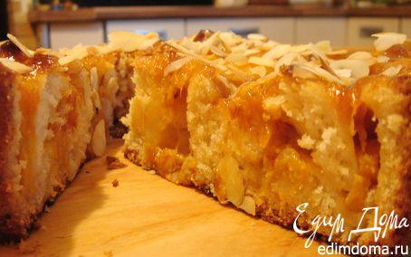 Рецепт Пирог с абрикосами и миндальными лепестками