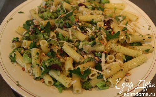 Рецепт Паста с брокколи, оливками и кедровыми орешками