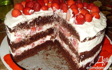 Рецепт Шоколадный торт с клубникой.