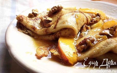 Рецепт Крепы с карамелизированными персиками,грушами и грецкими орехами