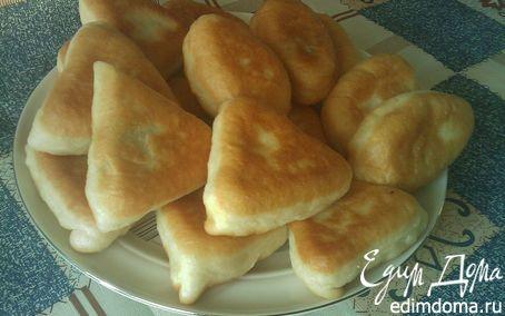 Рецепт Жареные пирожки с начинкой из соленых огурцов.