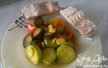 Рецепт Отварная в пикантном бульоне сайра и овощи