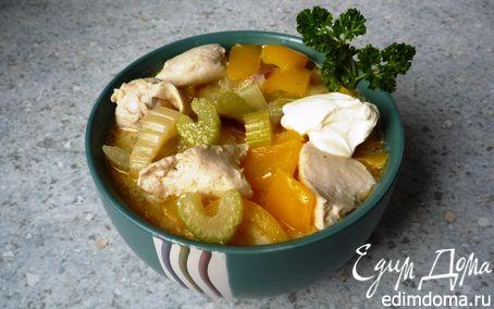 Рецепт Гуляш с нежной куриной грудкой, сельдереем и перцем
