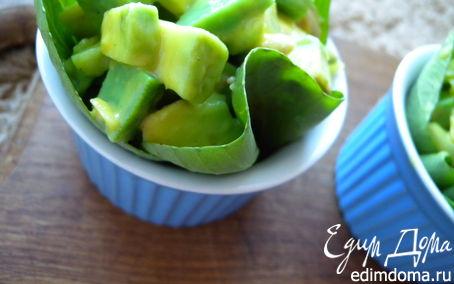 Рецепт + Салат с семгой гриль, сыром васаби и авокадо