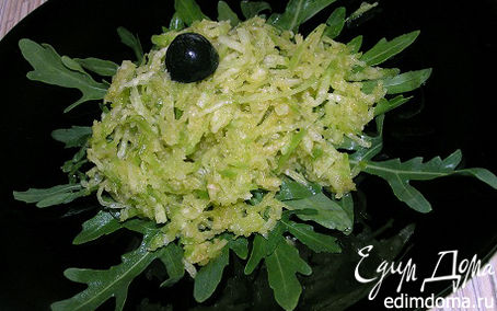 Рецепт Салат из зеленой редьки с рукколой