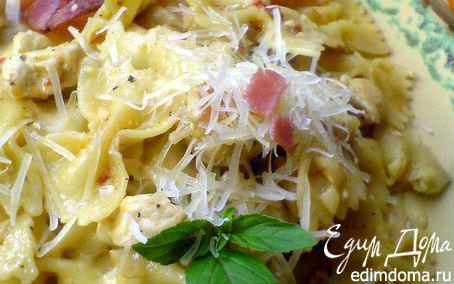 Рецепт Фарфалле с пикантным сливочно-куриным соусом