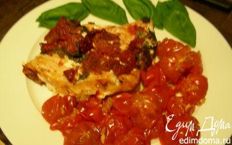 Рецепт Рыбка, запеченная с вялеными томатами и базиликом, + помидорчики-черри, запеченные с чесноком