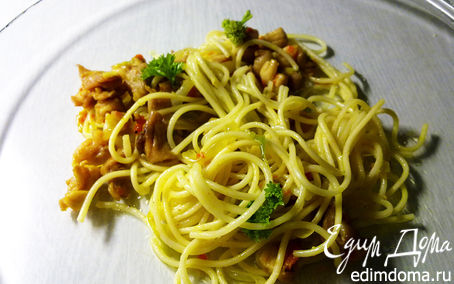 Рецепт Яичная лапша с карри, курицей и овощами