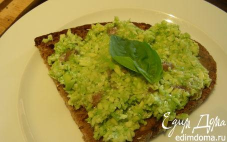 Рецепт Бутерброды с авокадо и анчоусами