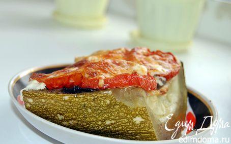 Рецепт Фаршированный кабачок мясным фаршем с грибным соусом, с помидорами под сыром