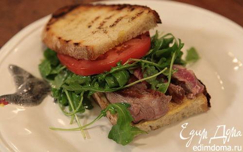Рецепт Сэндвич со стейком, руколой и помидорами