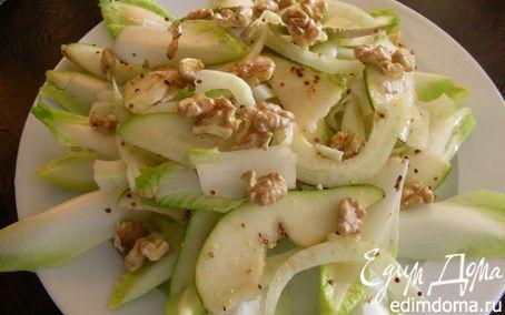 Рецепт Легкий салат из фенхеля, груши и цикория