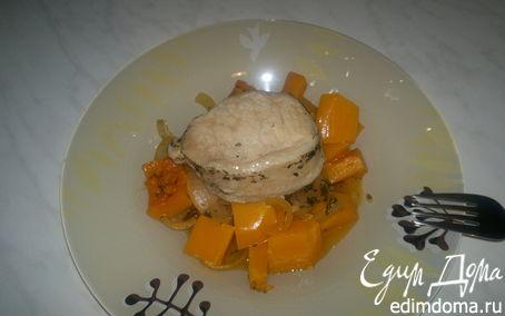 Рецепт Стейк из свиной корейки с карманом начинённый оливками и чесноком и тушеная тыква с луком.