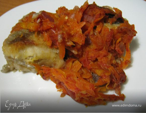 Рыбка запеченная с овощами.