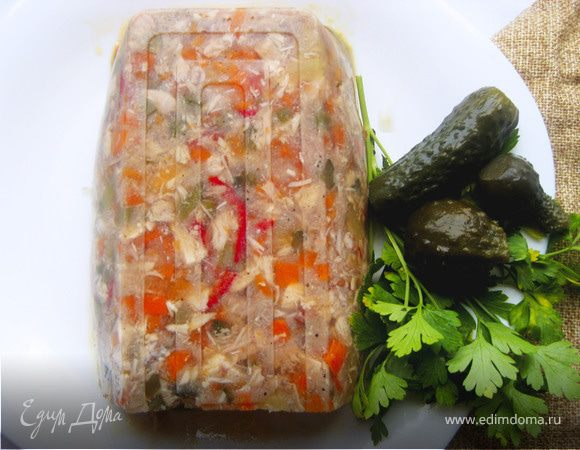 Заливной террин с курицей и овощами