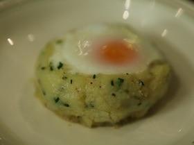 Яйца, запеченные в картофельной корзинке