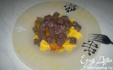 Рецепт Паста примавера с говядиной в подливе из черной смородины и бальзамичесекого уксуса