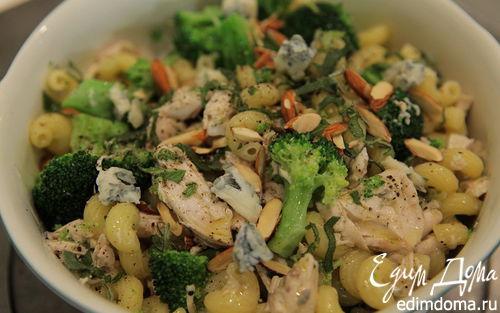 Рецепт Макароны с курицей и брокколи