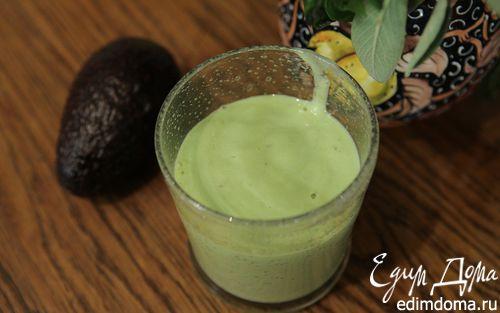 Рецепт Молочный коктейль с бананом и авокадо