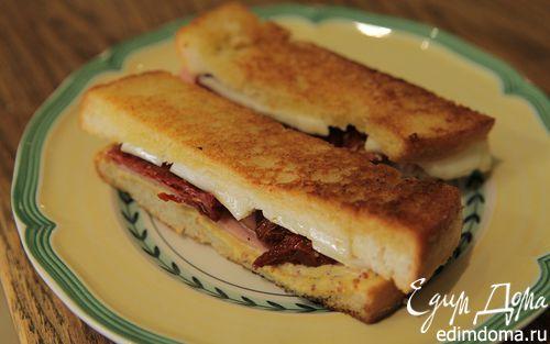 Рецепт Мини-сэндвичи с ветчиной, вялеными помидорами и сыром