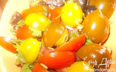 Рецепт Томатный салат с жареным чесночком