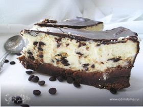 Сырник с шоколадными каплями и брауни