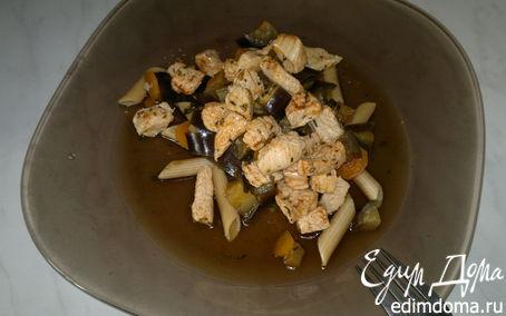 Рецепт Паста с баклажаном, морковью и грудка индейки с паприкой и чили