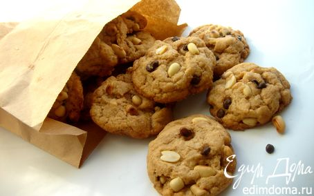 Рецепт Печенье с арахисовым маслом, арахисом и шоколадными каплями