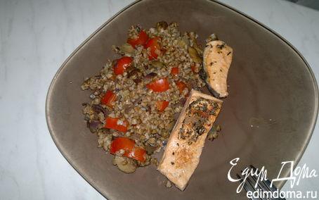 Рецепт Гречка с овощами, грибами и форель в собственном соку