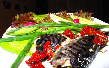 Рецепт Гастроподарки. Запеченная скумбрия с вялеными помидорами и розмарином