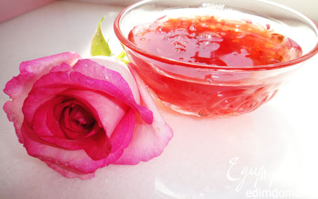 Рецепт Варенье из лепестков роз