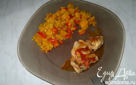 Рецепт Чечевица со сладкими овощами, куриные бедра с томатами и чесноком
