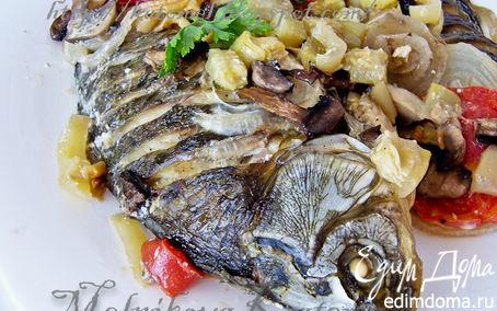 Рецепт Караси, запеченные в сметане с овощами